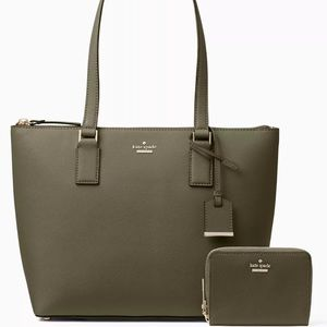 Authentic Kate Spade leather zip tote w wallet/ID